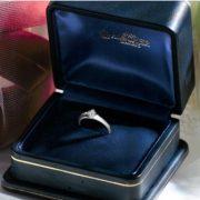 白く上品な輝きが魅力的、ロイヤルアッシャーダイヤモンド【婚約指輪・結婚指輪のJK Planet】